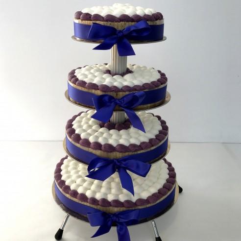 Gâteau à étages violet