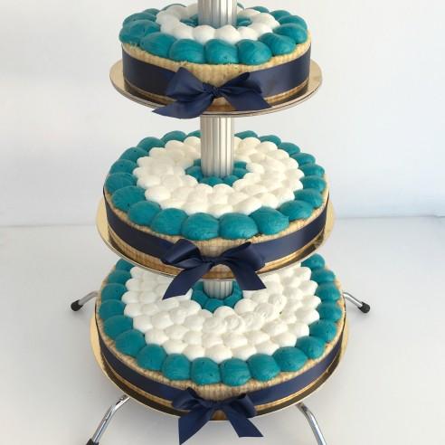 Gâteau à étages bleu canard