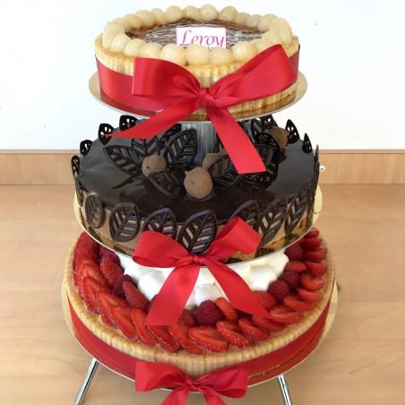 Gâteau à étages classique parfums différents