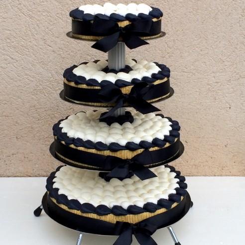 Gâteau à étages noir