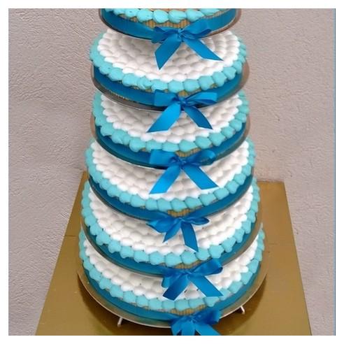 Gâteau à étages bleu turquoise